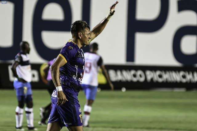 Carlos Garces 7