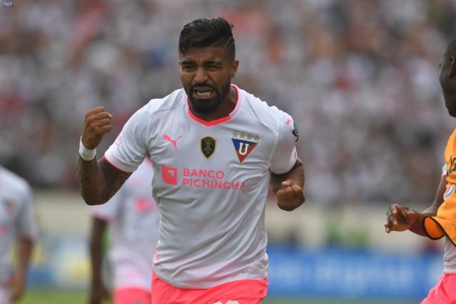 Rodrigo Aguirre 25