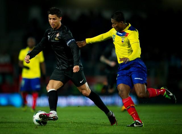 Cristiano Ronaldo y Antonio Valencia