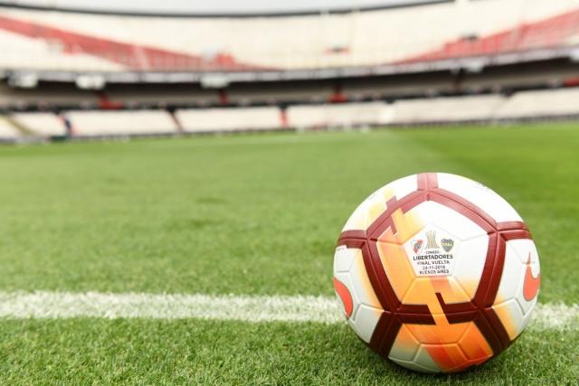Pelota Final Libertadores 2018