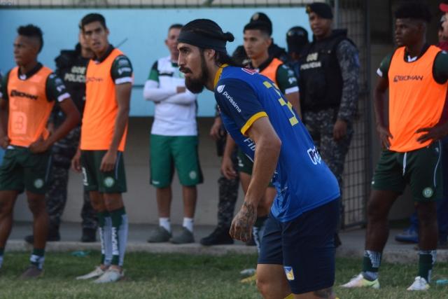 Oscar Benitez 2