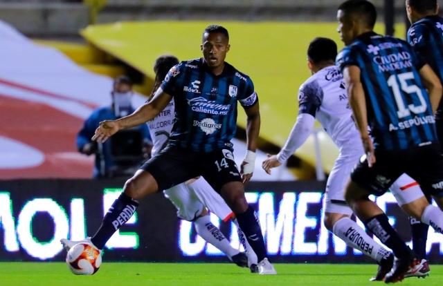 Antonio Valencia 11