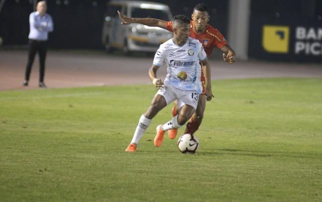 Jonathan Perlaza 4