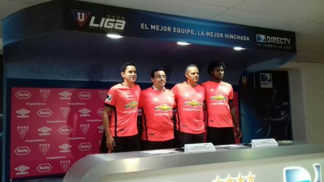 Liga uniforme rosado