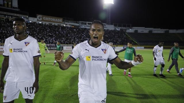 Antonio Valencia 31