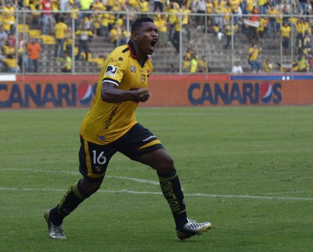 Luis Caicedo 3