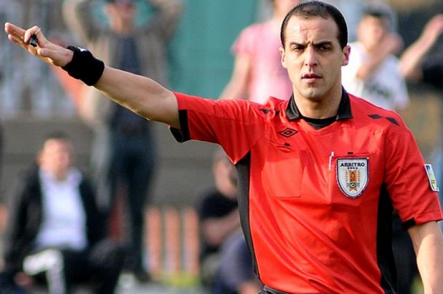 arbitro Esteban Ostojich